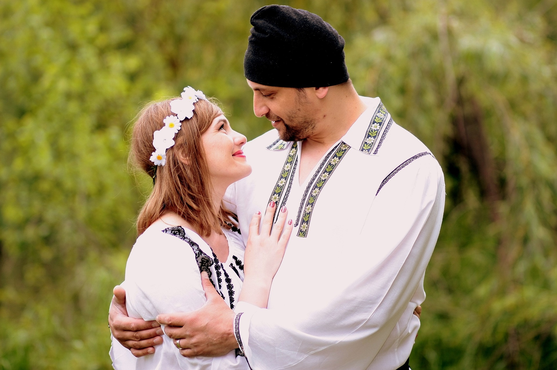 muž a žena v kroji