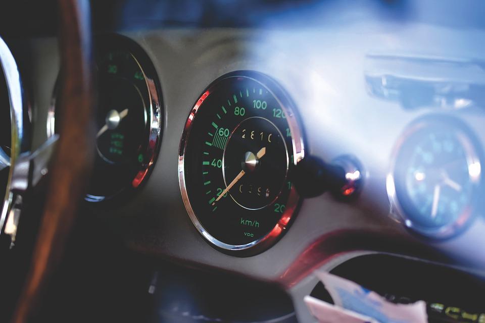 Cestování automobilem