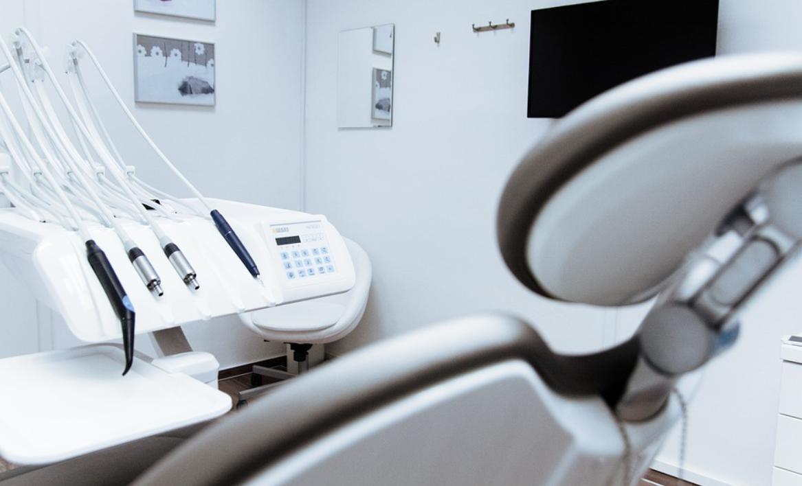 zubařské křeslo